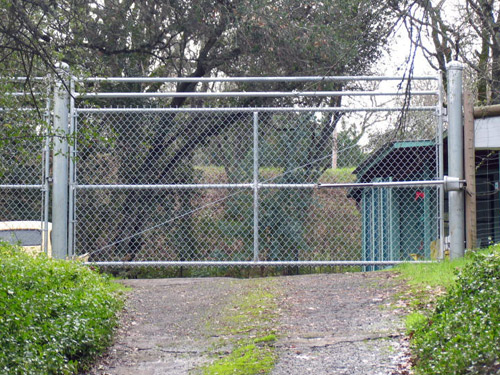 Chainlink Driveway Gates 171 Arbor Fence Inc A Diamond