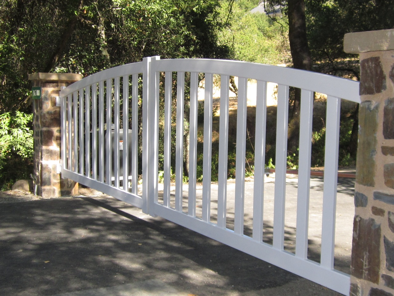 Arched Amp Scalloped Steel Driveway Gates 171 Arbor Fence Inc