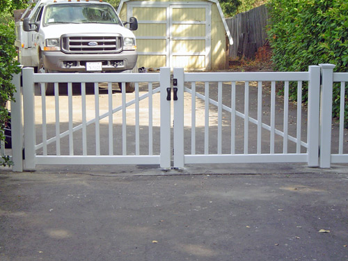 Vinyl Driveway Gates 171 Arbor Fence Inc A Diamond